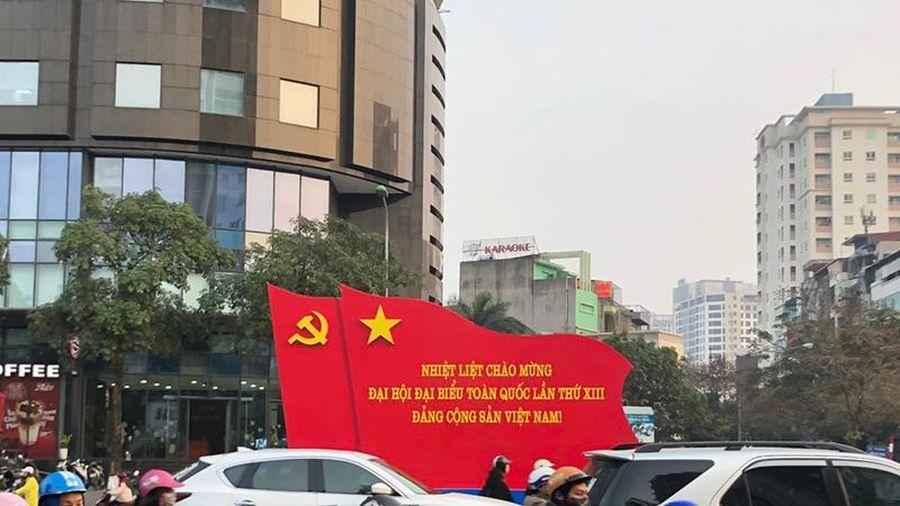 'Con đường đẹp nhất Việt Nam' rực rỡ chào mừng Đại hội Đảng