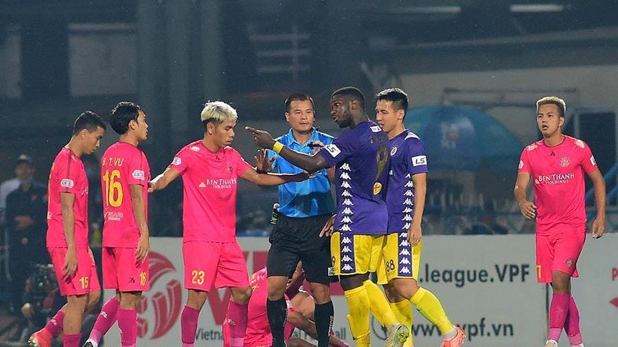 Kỷ luật nhiều vi phạm tại vòng 1 V-League