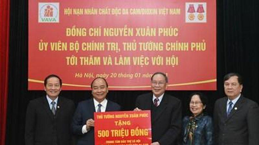 Thủ tướng Nguyễn Xuân Phúc làm việc với Hội Nạn nhân chất độc da cam/dioxin Việt Nam