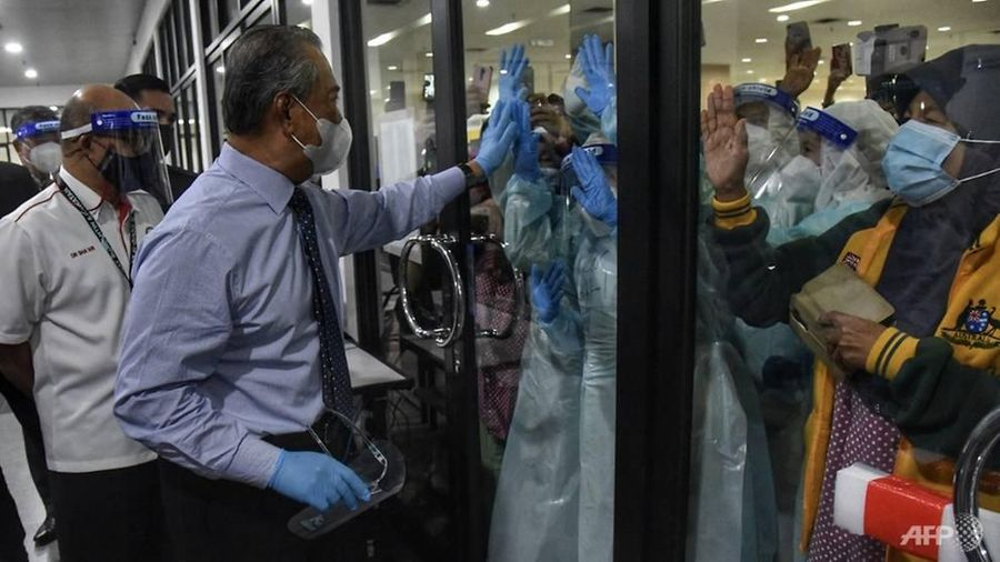 COVID-19 tại ASEAN hết 19/1: Philippines không 'sợ' vaccine Pfizer; Malaysia tái phong tỏa hầu khắp đất nước