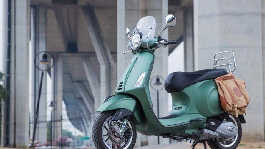 Soi phiên bản Vespa Primavera S 150 i-Get ABS Safari với màu sơn độc đáo