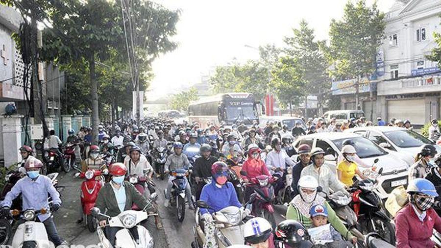 Giải tỏa ùn tắc giao thông cuối năm