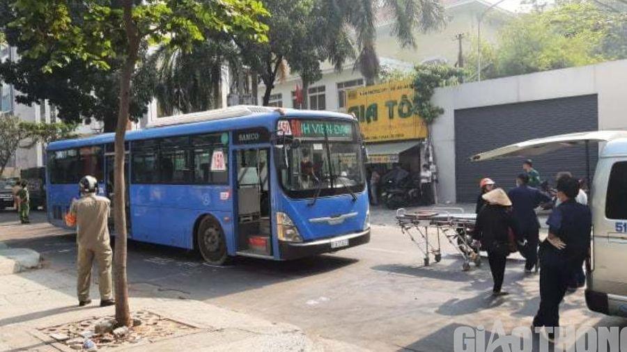 Người phụ nữ bán vé số bị xe buýt chèn qua người, tử vong thương tâm
