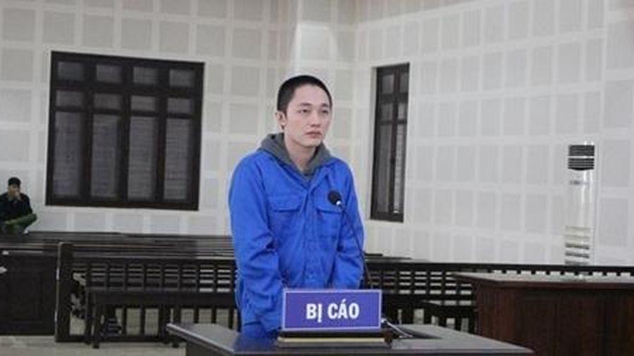Nhập cảnh trái phép vào Đà Nẵng lập trang web mua bán chứng khoán ảo