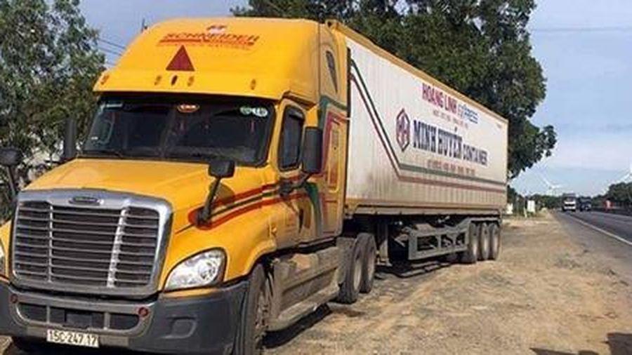 Truy đuổi bắt giữ lái xe đầu kéo 'đua tốc độ' bất chấp hiệu lệnh CSGT