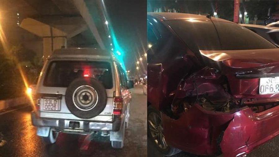 Truy tìm tài xế ô tô gây tai nạn rồi bỏ chạy ở Hà Nội
