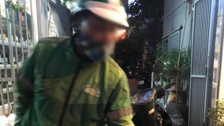 Xôn xao chuyện cô gái từ miền Trung ra Hà Nội gọi xe không qua app, liền bị tài xế trung niên 'hét giá' 300k cho 7km
