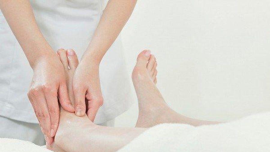 Cải thiện chứng phù chân khi mang thai