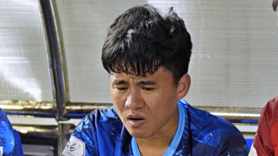 Cầu thủ thoát án kỷ luật sau pha phạm lỗi với Phan Thanh Hậu