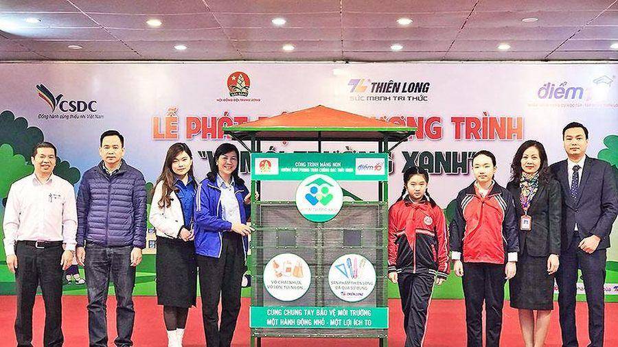 Học sinh Thủ đô tái chế rác góp học bổng tặng bạn nghèo