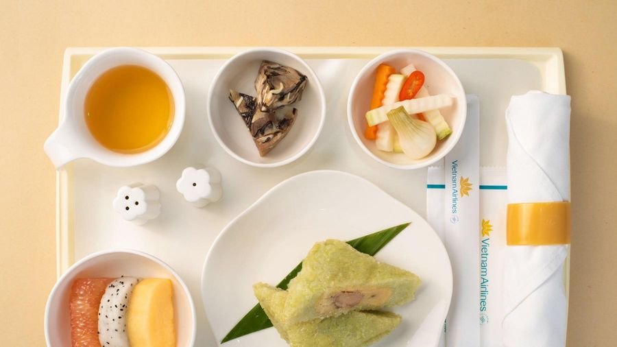Hãng hàng không quốc gia đưa các món ăn cổ truyền ngày tết lên máy bay