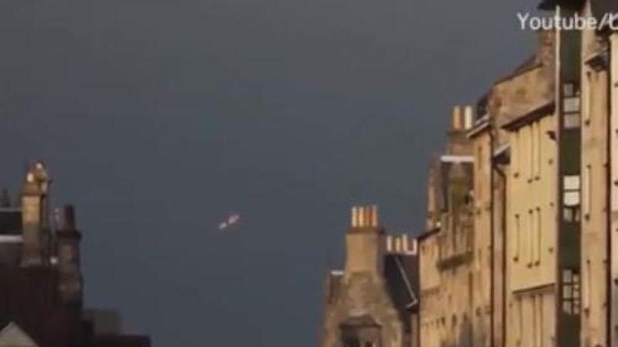UFO xuất hiện trên bầu trời Pháp
