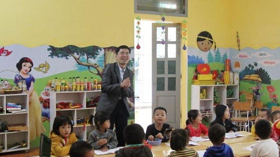 Vượt định kiến làm thầy giáo mầm non