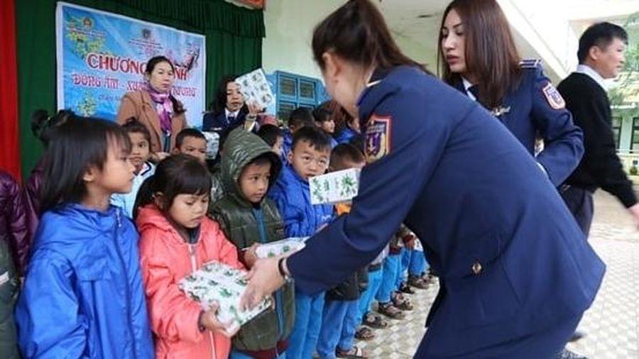 Tiếp tục quan tâm, giúp đỡ phụ nữ, trẻ em vùng biên giới