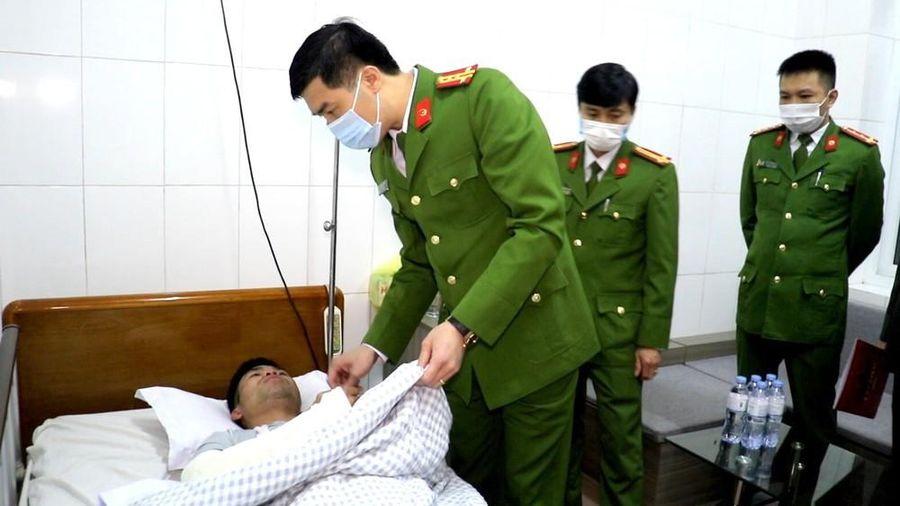 Tham gia chữa cháy, Thượng úy công an bị thương nặng