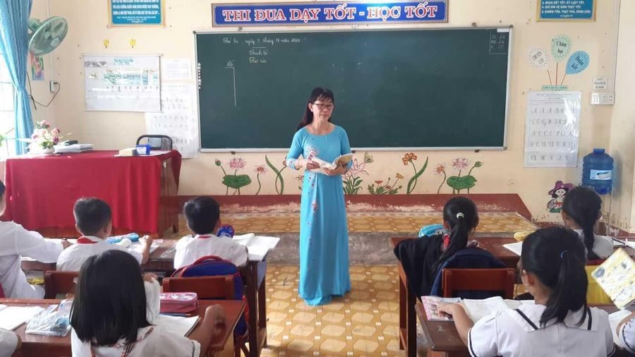 Cô giáo lớp 4 'trường làng' nhận danh hiệu Nhà giáo Nhân dân 2020