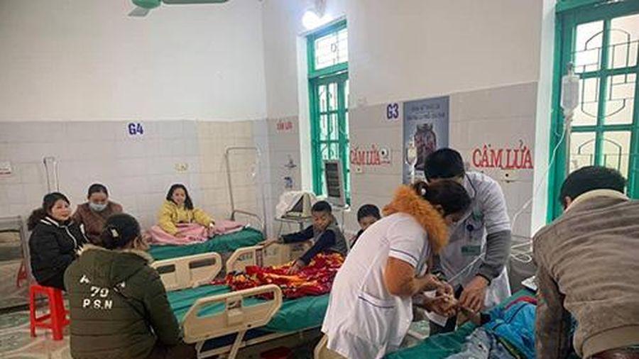 Nghệ An: 7 học sinh tiểu học nhập viện cấp cứu sau khi ăn sáng