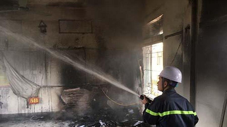 Nghệ An: Trường tiểu học bất ngờ bốc cháy giữa trưa