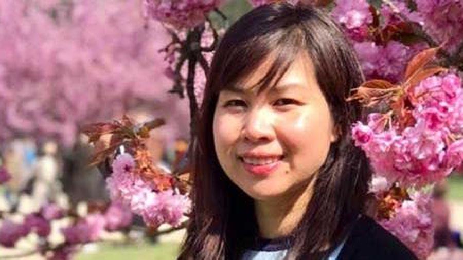 Tiến sĩ Hoàng Thị Hồng Hà: 'Bà đỡ' Then trên đất Pháp