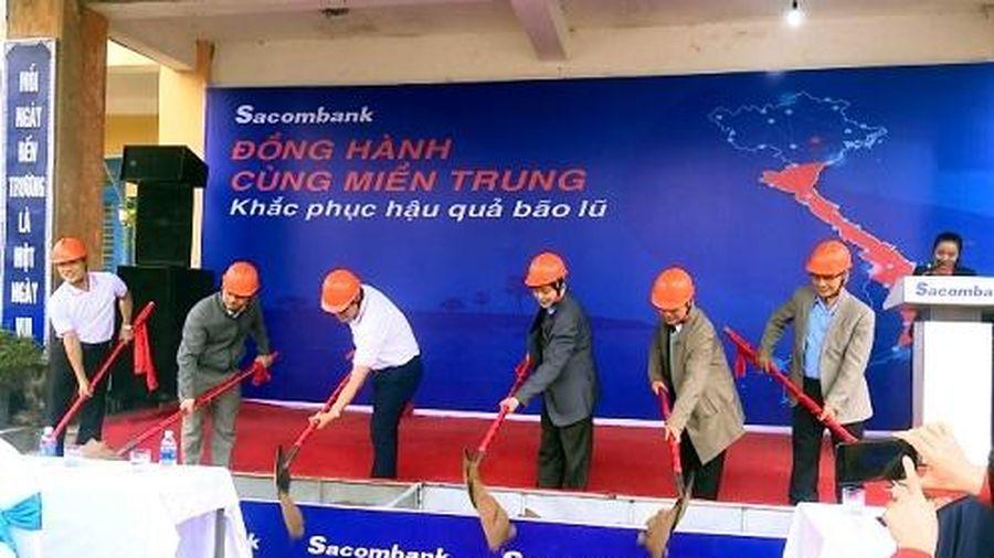 Sacombank trao gần 900 triệu đồng sửa chữa trường học tại Thừa Thiên Huế
