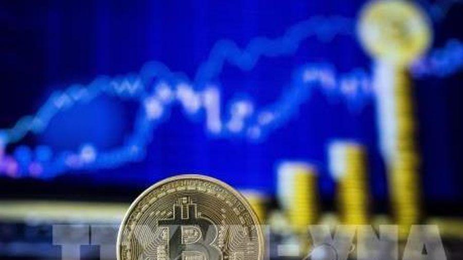 Bitcoin tiếp tục trượt xa so với mức cao kỷ lục