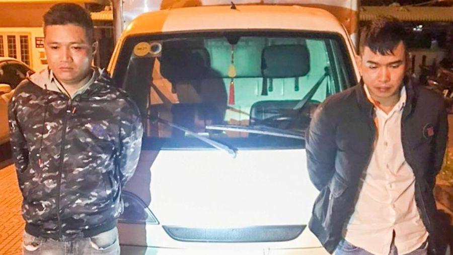 Hai nam thanh niên thực hiện hàng chục vụ lừa đảo liên tỉnh bằng cách giả làm nhân viên giao hàng
