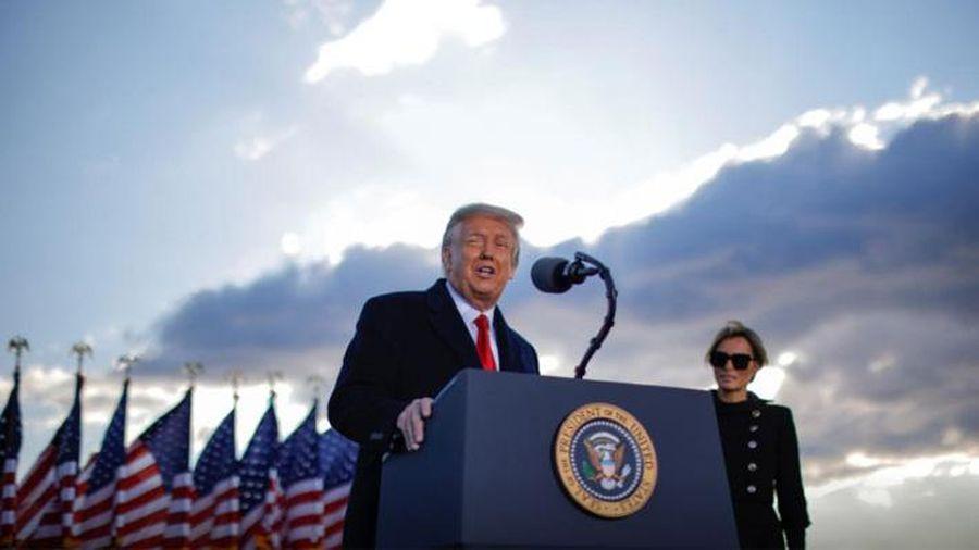 Chính thức rời Nhà Trắng, ông Trump tuyên bố 'sẽ trở lại'