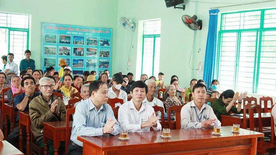 Nhà máy Nhiệt điện Vĩnh Tân 4 trao tặng 80 suất quà cho các hộ nghèo xã Phước Hữu