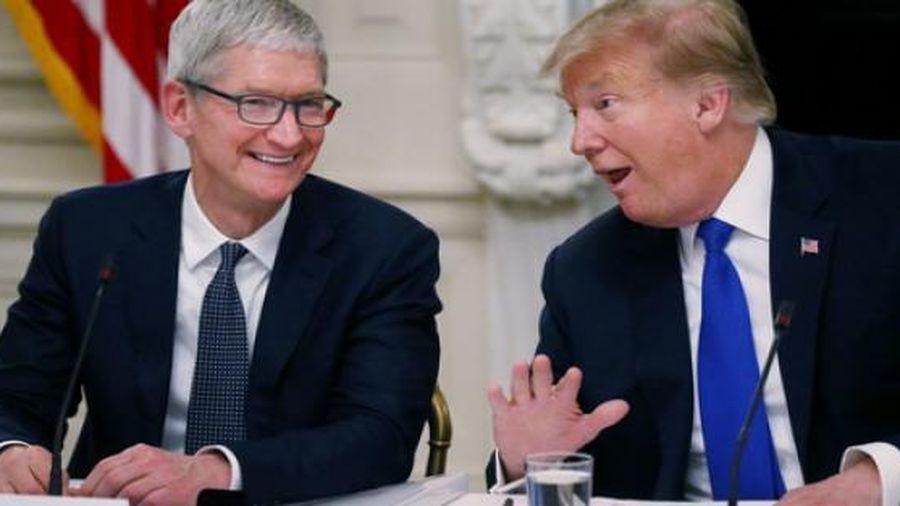 Apple, Boeing, Ford tặng quà chia tay gì cho ông Trump?