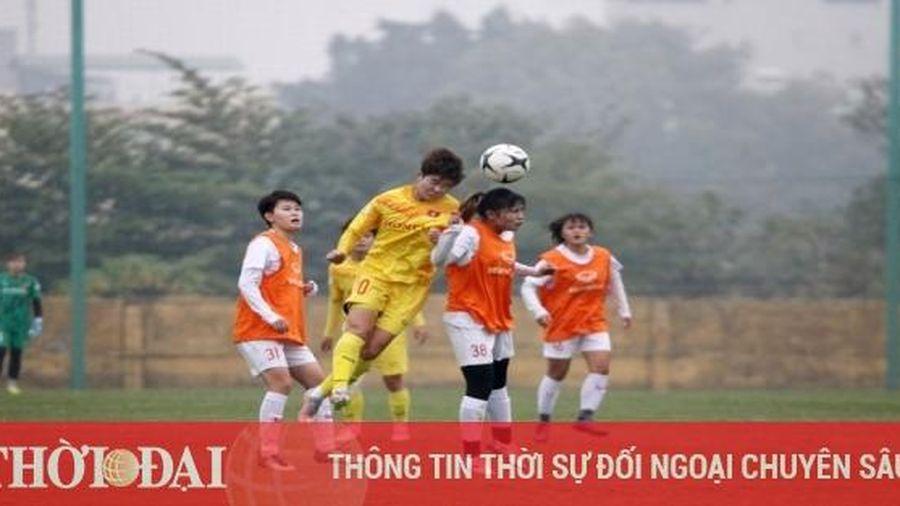 Tuyển nữ Việt Nam thắng đậm, HLV Mai Đức Chung vẫn tiếc nuối