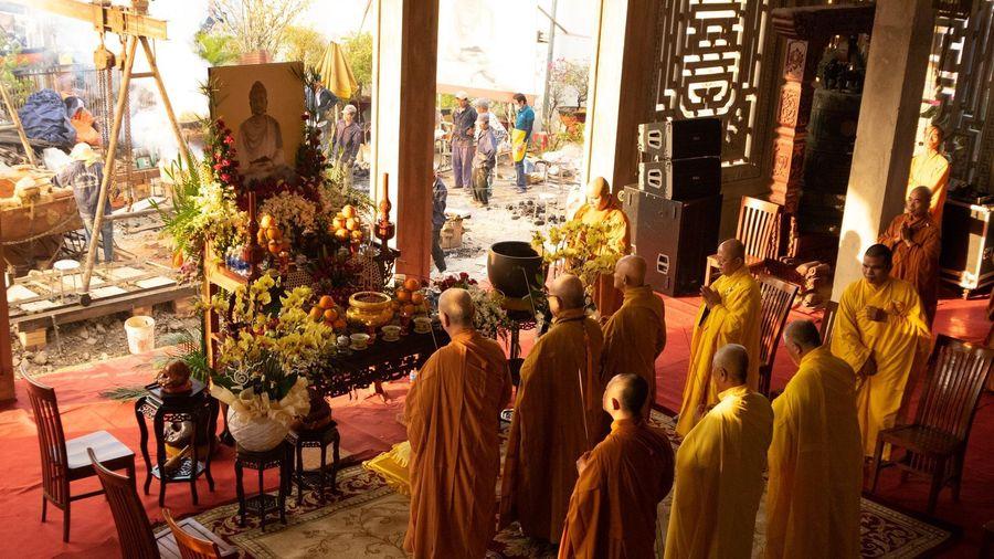 Tu viện Huệ Quang tổ chức lễ rót đồng đúc tôn tượng Đức Phật