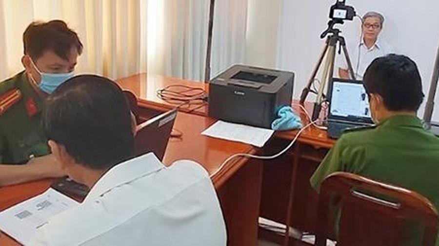 Công an tỉnh Vĩnh Long đảm bảo tiến độ cấp CCCD gắn chip điện tử