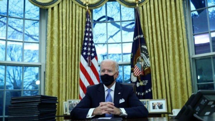 Tổng thống Biden đảo ngược di sản của người tiền nhiệm ngay trong ngày đầu nhiệm kỳ