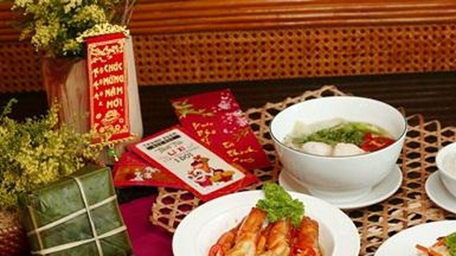 Sum vầy ngày Tết đậm vị truyền thống tại trung tâm Sài Gòn