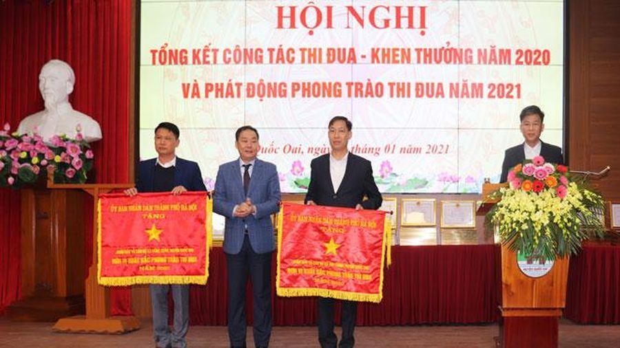 Huyện Quốc Oai có 2 tập thể được tặng Cờ thi đua xuất sắc của thành phố