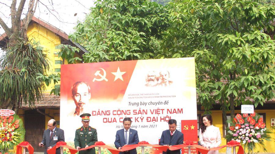 Triển lãm 'Đảng Cộng sản Việt Nam qua các kỳ Đại hội' chào mừng Đại hội lần thứ XIII của Đảng