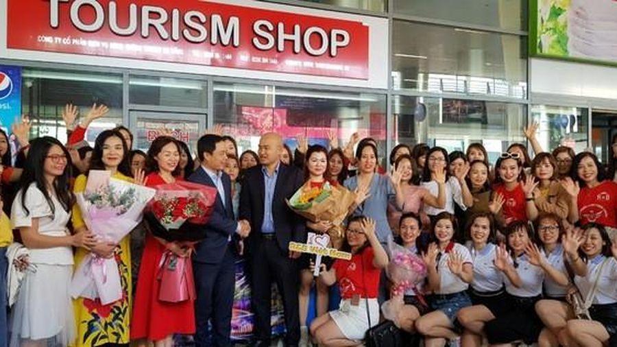 Đà Nẵng đón đoàn 700 khách du lịch đến từ Hà Nội