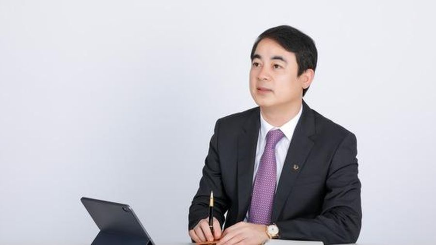Vietcombank từ 'thong dong biết chạy đến nhà băng gánh đều hai vai'