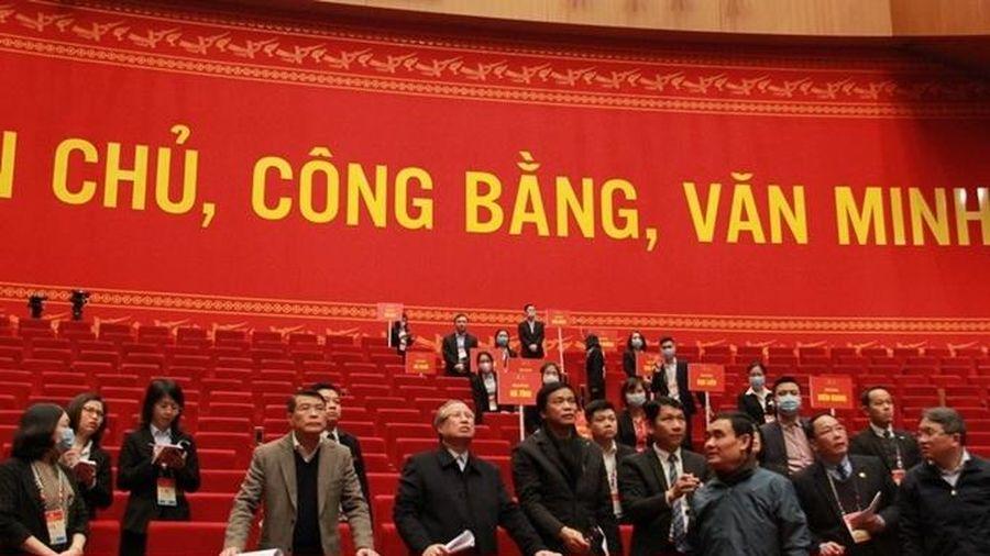 Thường trực Ban Bí thư Trần Quốc Vượng kiểm tra tổng duyệt, chuẩn bị Đại hội Đảng XIII