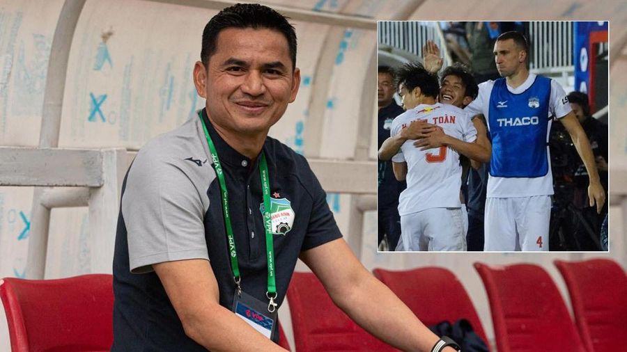 HAGL thắng trận đầu, báo Thái kể công Kiatisuk