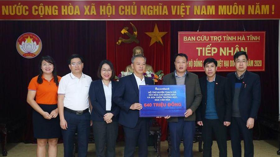 Sacombank và Huda Beer trao hỗ trợ người dân Hà Tĩnh 1 tỷ đồng