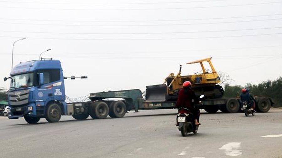 Đèn tín hiệu 'ngủ đông' hơn 3 tháng, nguy cơ tai nạn giao thông ở ngã tư cảng Vũng Áng