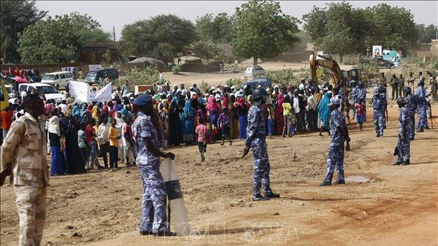 Anh cam kết viện trợ gần 55 triệu USD cho Sudan