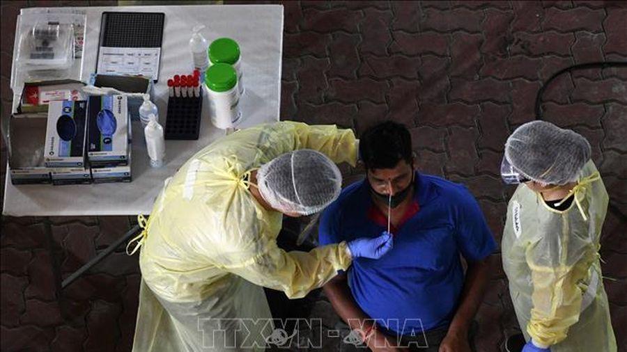Singapore thắt chặt các biện pháp đối phó với dịch COVID-19
