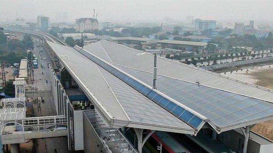 Cận cảnh tàu đường sắt Nhổn - ga Hà Nội bất ngờ lăn bánh