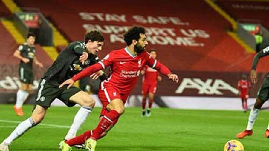 Không phải Firmino, Salah mới chính là vấn đề của hàng công Liverpool
