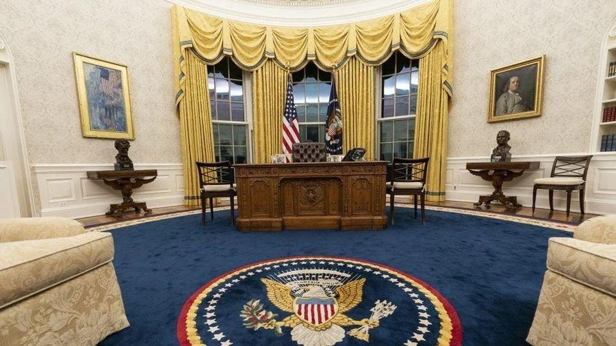 Phòng làm việc của TT Biden: Thảm mới, ghế mới, không còn 'nút Diet Coke' của ông Trump