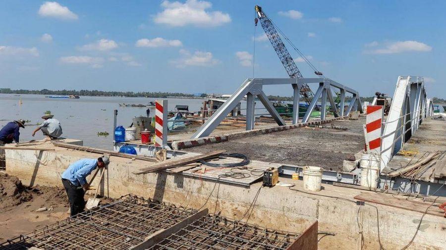 27/1: Phà Rạch Miễu tạm đi vào hoạt động, giảm tải cho cầu Rạch Miễu