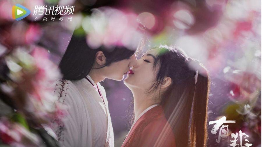 Điểm lại loạt cảnh hôn lãng mạn của Triệu Lệ Dĩnh - Vương Nhất Bác dân tình 'sốt rần rần' trong 'Hữu Phỉ'