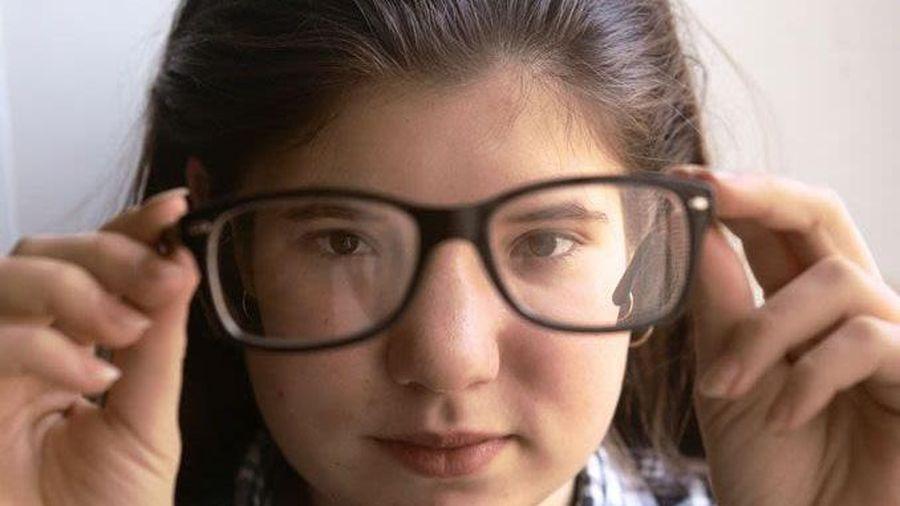 Điều trị cận thị tiến triển: Lựa chọn phương án sớm để giảm nguy cơ biến chứng